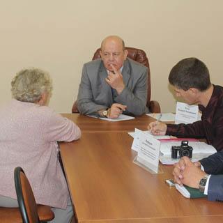 Уполномоченный по правам человека провел выездной приём граждан в Уссурийске