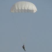 Уссурийские десантники приступили к тренировочным прыжкам 7 (фотографий)