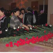 Уссурийцы возложили цветы в память погибших героев (6 фотографий)