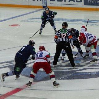 Ещё 90 спортсменов и волонтёров посетили игры хоккейного клуба «Адмирал»