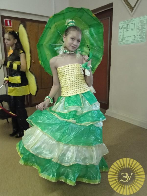 Платье из пакетов своими руками для детей пошагово с фото
